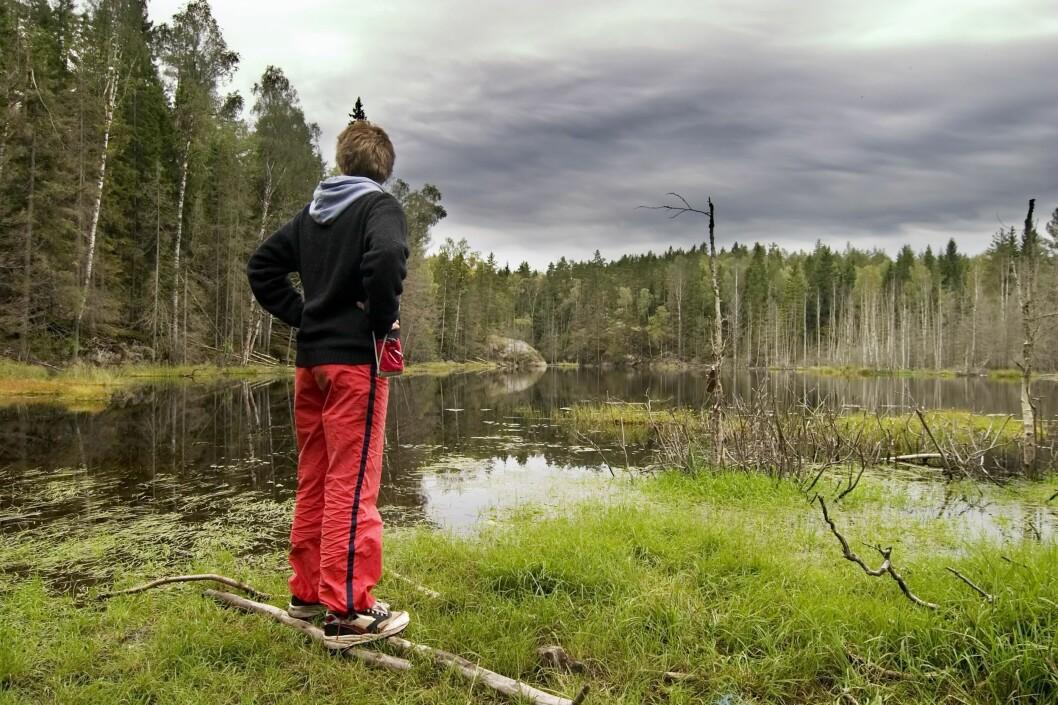 <strong>HVOR ER JEG? </strong> Skal du lære deg å bruke kart og kompass, er praksis det beste, sier turveileder Moråker i DNT.   Foto: PantherMedia