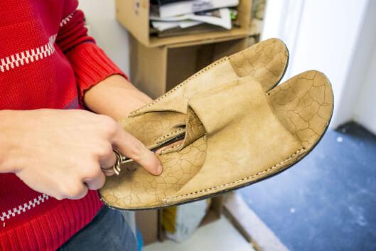 Slippers - designet i Japan, tilpasset og produsert i Kenya. Foto: Per Ervland