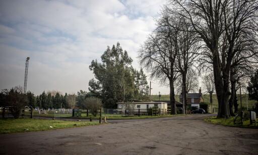 CAMPINGPLASS: Her har det britiske selskapet CAS Global kontorer. I januar i fjor gjennomførte britisk politi en razzia her og arresterte to personer. Foto: Øistein Norum Monsen / DAGBLADET