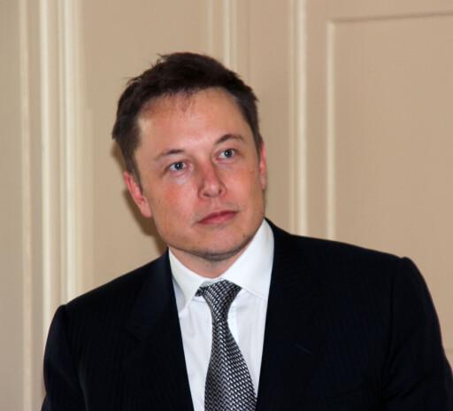 FÅR DET TIL: Elon Musk er Teslas visjonære toppsjef, som inntil for få år siden ble ansett som dømt til å mislykkes av et flertall i den etablerte bilindustrien. Foto: KNUT MOBERG