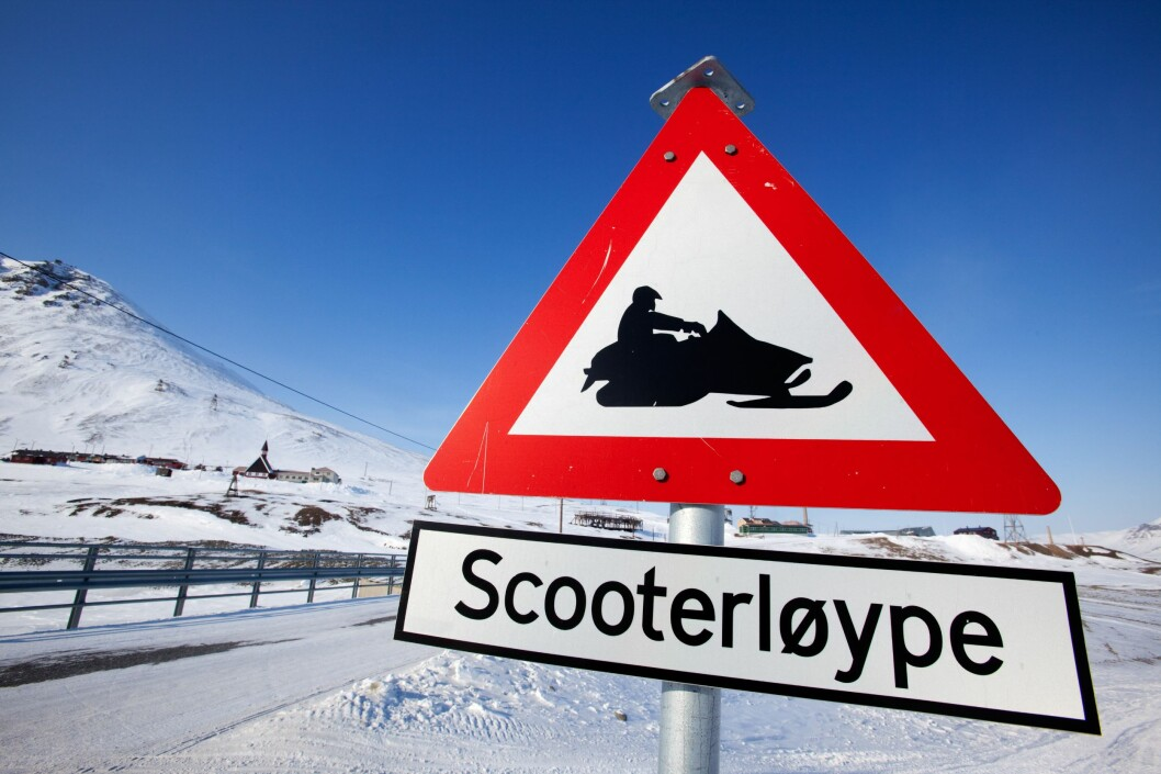 <strong>FLERE SÅNNE? </strong>Dette skiltet er fra Svalbard, og kan bli et vanligere syn på fastlandet.  Foto: PantherMedia / Tyler Olson