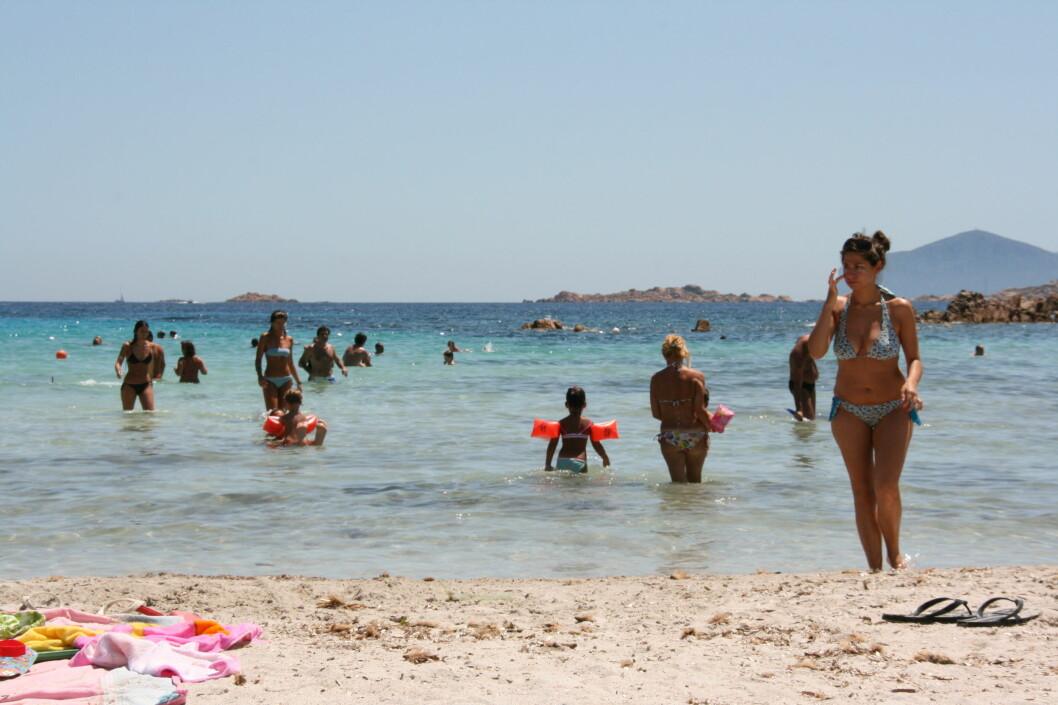 Avslutter du sommeren lenger syd, koster det nå knapt skjorta. Her fra Sardinia. Foto: Stine Okkelmo