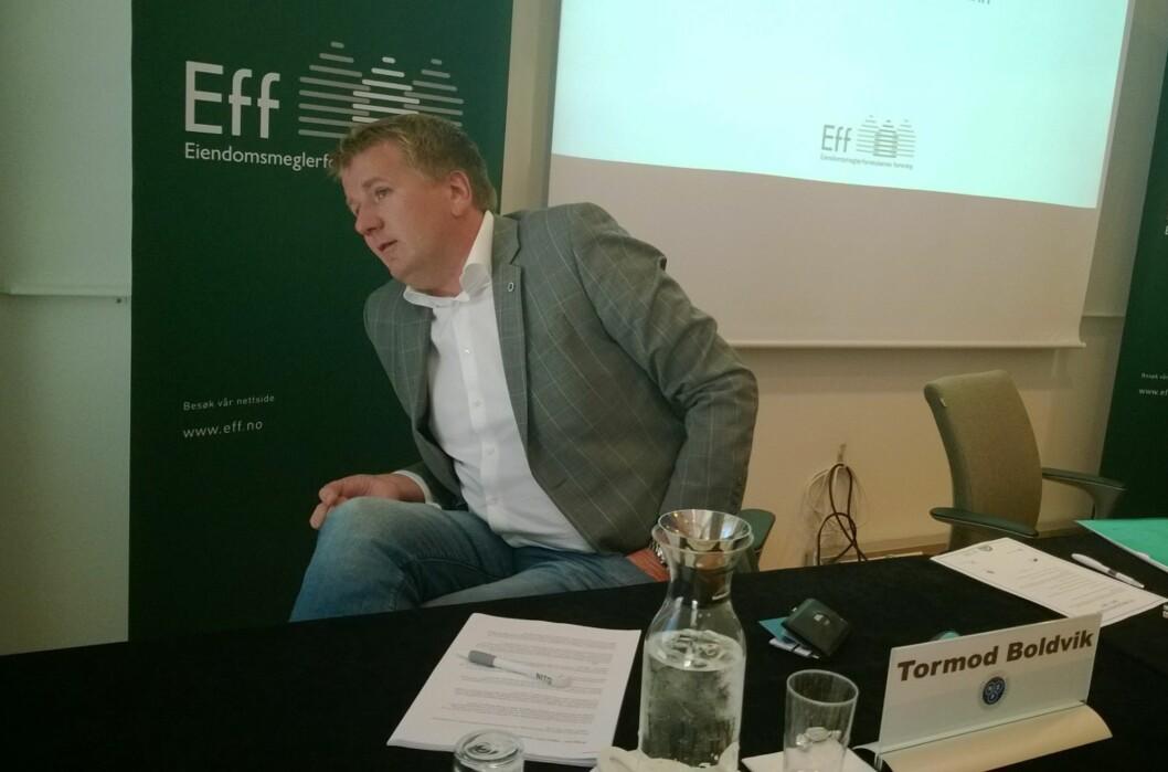 Tormod Boldvik, leder i Norges Eiendomsmeglerforbund, mener vi nå ser tegnene på at den økte egenandelen er et usosialt tiltak. Foto: Gaute Beckett Holmslet