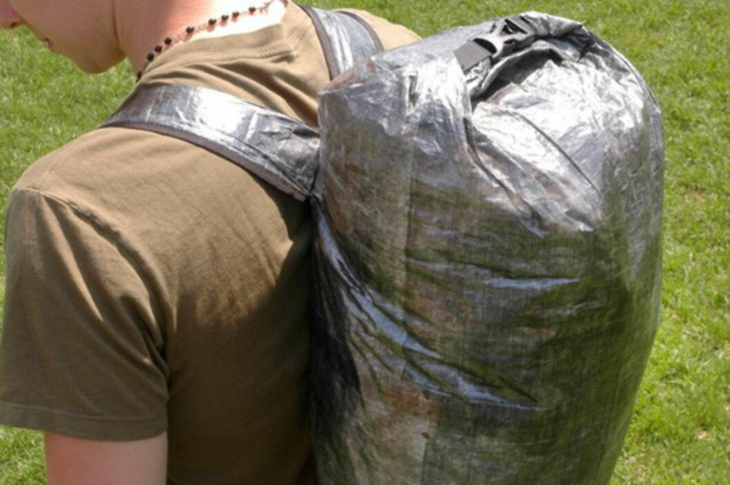 Stuff Pack veier bare 91 gram, og passer til dagsturer. Det finnes flere varianter av disse sekkene laget i det lette materialet Cuben Fiber. Foto: Produsenten
