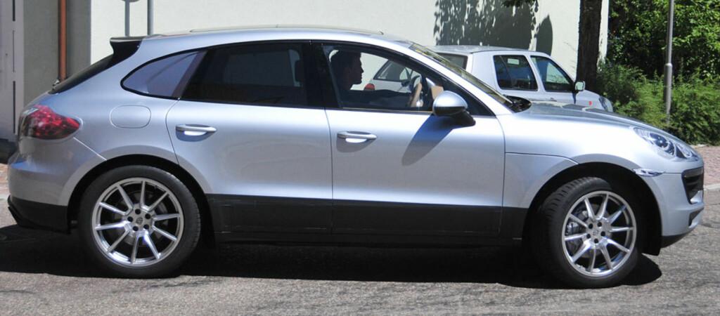 Porsche har krympet Cayenne ned til en Macan. Bilen vises offentlig for første gang i november.  Foto: Automedia