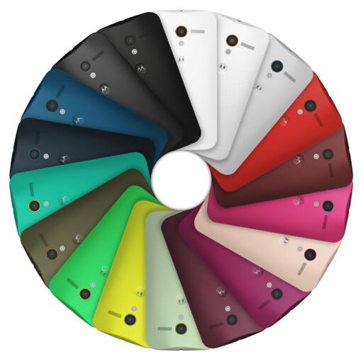 DESIGN DIN EGEN TELEFON: Det skal være mulig å velge mellom over 2.000 ulike fargekombinasjon, ifølge Motorola. I første omgang får kun amerikanske AT&T-kunder muligheten til dette.  Foto: Motorola