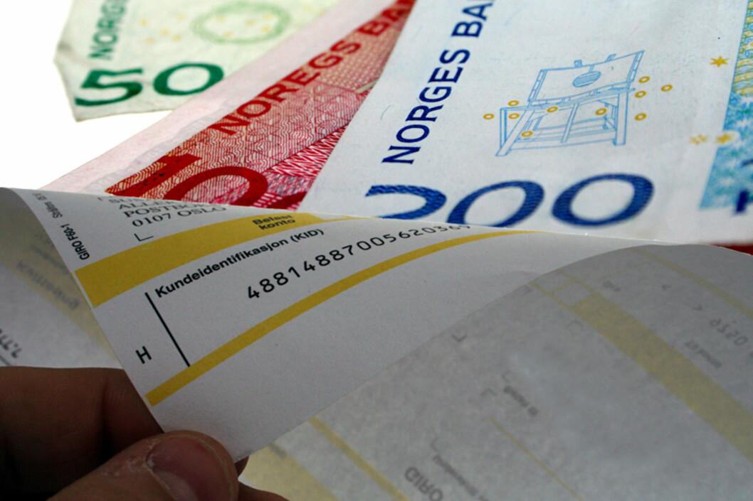 <strong>DYRERE:</strong> Å ikke betale regningene i tide koster mer på grunn av høyere forsinkelsesrente.  Foto: KIM JANSSON/OLE PETTER B. STOKKE