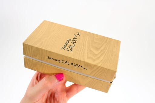 PRØV FØRST: Også mobiler, som Samsung Galaxy S4, omfattes av angrerettloven. Men noen av butikkenes egne returretter har mobiler som unntak.