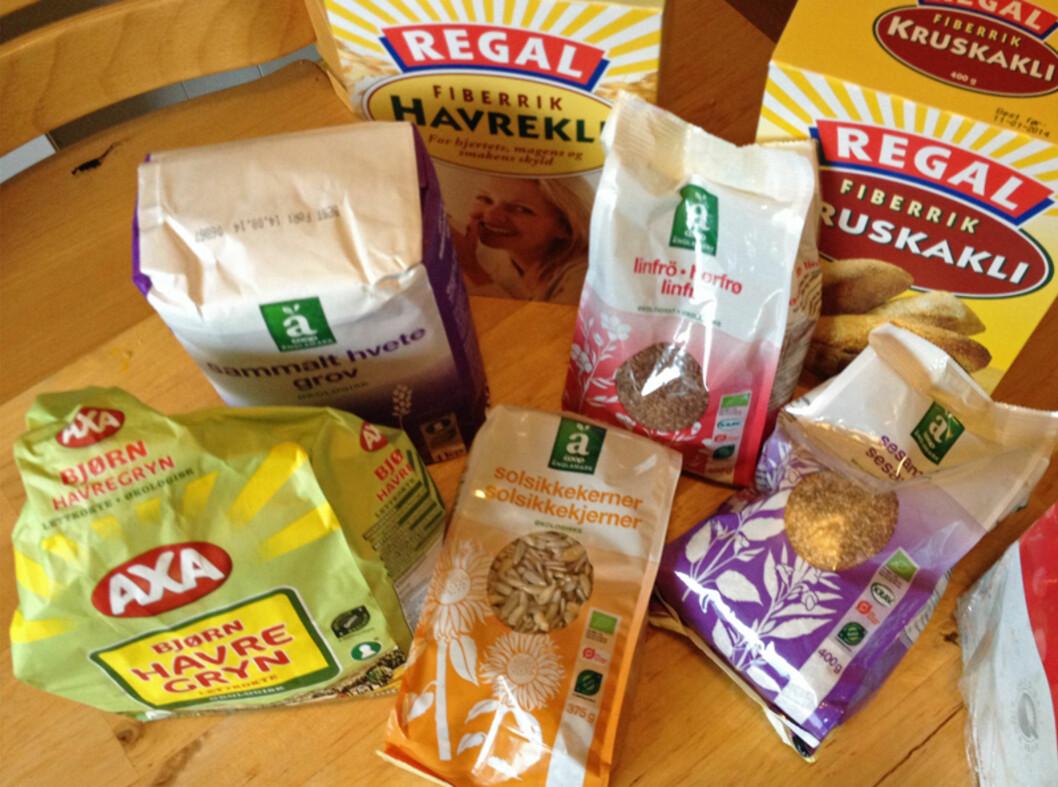 Disse ingrediensene brukte vi i de hjemmelagde knekkebrødene. Foto: Berit B. Njarga