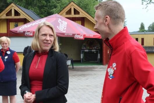 Arbeidsminister Anniken Huitfeldt var til stede ved pressevisningen av den nye attraksjonen. Hun likte at attraksjonen ikke var så skummel. Foto: Kristin Sørdal