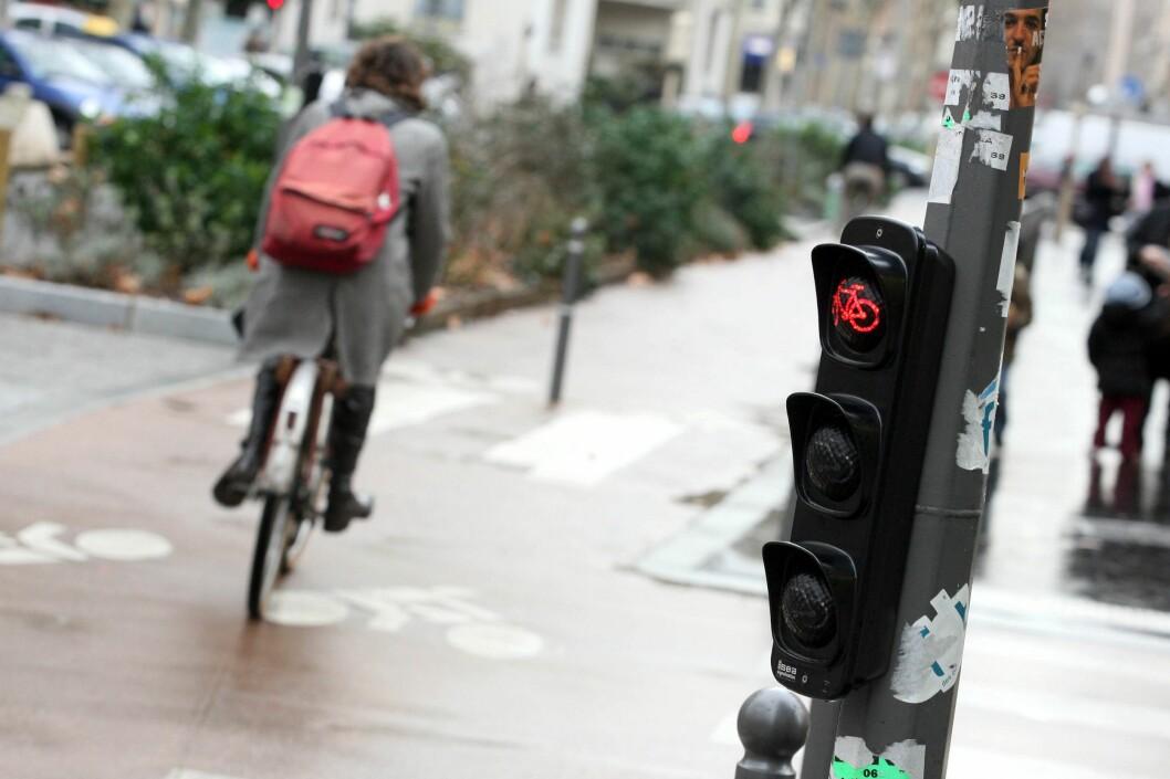 <strong><strong>DEN STØRSTE IRRITASJONEN:</strong> </strong>Syklister som sykler på rødt, provoserer ikke bare alle bilister, men også andre syklister som prøver å overholde trafikkreglene.  Foto: PHOTOPQR/LA VOIX DU NORD