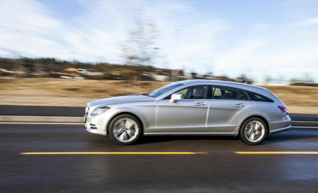 Først ute igjen: Mercedes har tatt CLS-konseptet et hakk videre med denne elegante (synes i hvert fall vi) stasjonsvognutgaven i Shooting Brake-utførelse. Vi kjørte versjonen 250 CDI. Men har du råd, gå heller for V6-motor. Foto: Per Ervland
