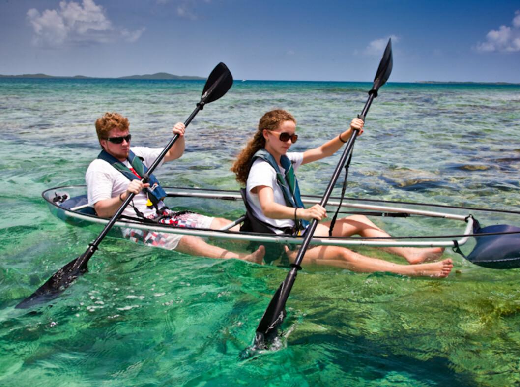 <strong><strong>GØY:</strong> </strong>Det ser unektelig morsomt ut å padle denne over et korallrev.  Foto: Clear Blue Hawaii