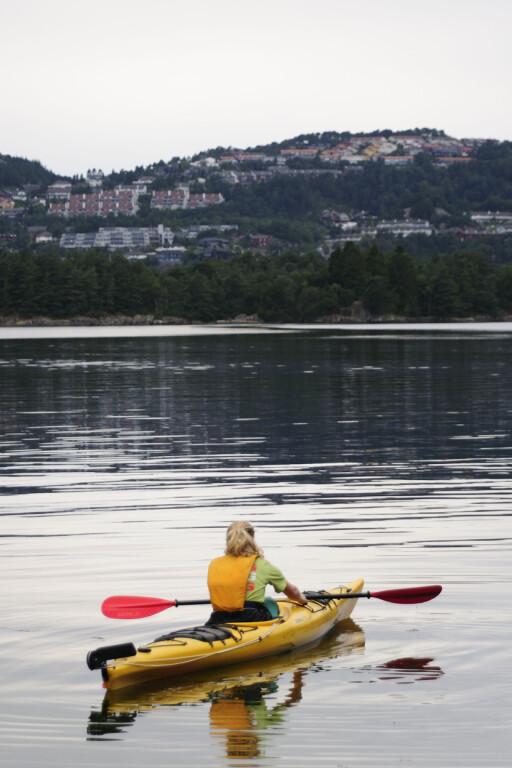 ALLSIDIG: Norger er et ypperlig kajakkland, og investerer du i tørrdrakt kan du padle i flere sesonger.  Foto: StockAgency