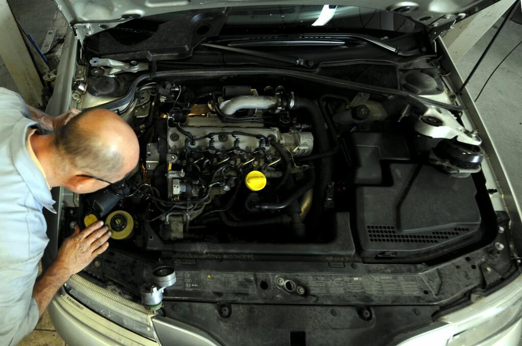 Du bør sjekke at verkstedet følger bilprodusentens serviceprogram når bilen skal på verksted. Foto: COLOURBOX