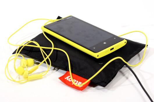 FRA 3.000 KRONER: Nokia Lumia 920.  Foto: Ole Petter Baugerød Stokke