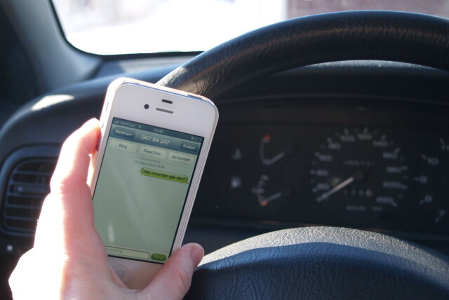 cc4e2263 Tasting på mobilen blir rett og slett forbudt fra 2. mai, også om den