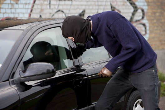 Har bilen du skal kjøpe noen gang vært stjålet? I mange andre europeiske land kan du få vite dette før du kjøper. Nå ønsker NBF, NAF og BIL at norske forbrukere skal få samme mulighet. Foto: Colourbox.com