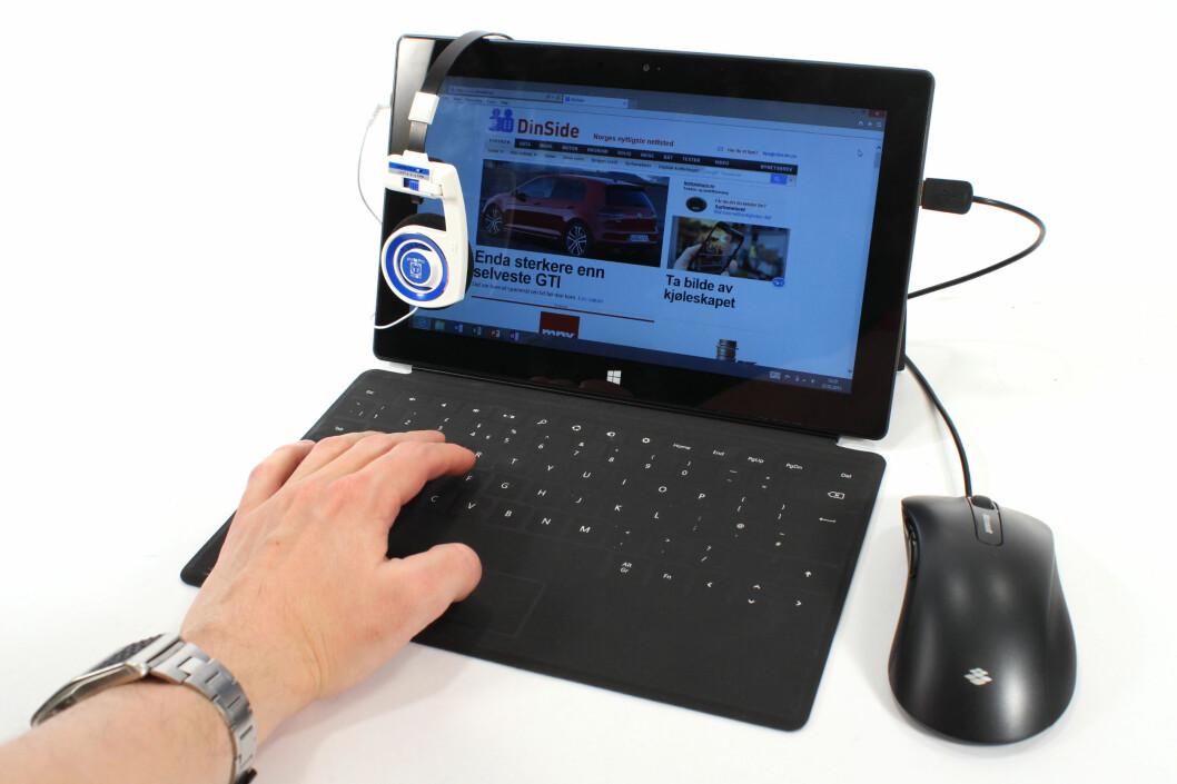 <strong>PC/NETTBRETT:</strong> Microsoft Surface RT gir deg blant annet Windows skrivebord og USB-port. Men det mangler mye før den kan kalles noen PC. Og noe før den blir et skikkelig nettbrett-alternativ.  Foto: Ole Petter Baugerød Stokke