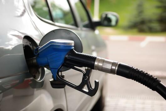 <strong>ELEMENTÆRT:</strong> Men ikke alltid lett å få tak i, så pass på å fylle tanken før bensinstasjonene forsvinner i bakspeilet. Foto: PANTHER MEDIA