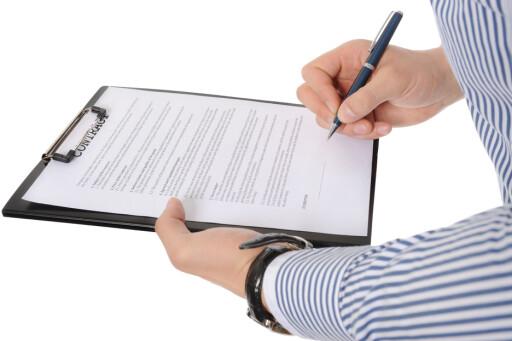 VIKTIG: Hva som står i kontrakten har alt å si når noe går galt.  Foto: Colourbox.com