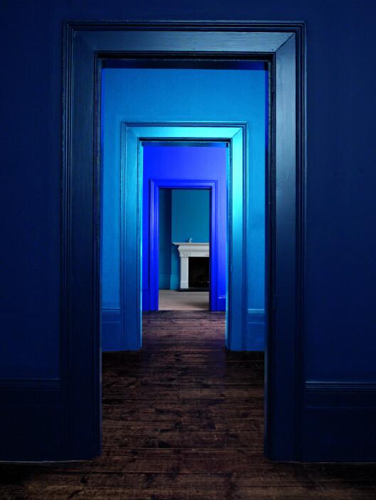 Du får en fin effekt ved å velge samme farge på vegg og lister - men ulik glansgrad.  Foto: NORDSJÖ