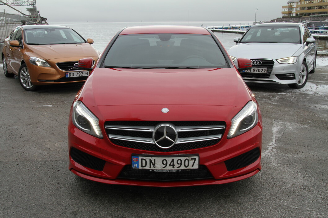 <strong>En stjerne i tet:</strong> Mercedes har ikke slurvet når de har entret kompaktklassens premium-segment. Nye A-klasse er anti-gamle A-klasse og kommer som et friskt pust i en stadig mer variert kategori biler. Og bra er det. Foto: Fred Magne Skillebæk