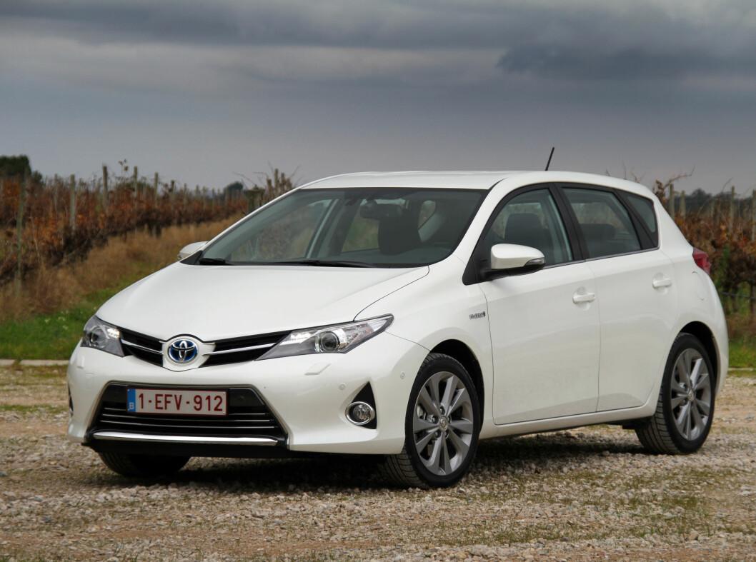 Nye Toyota Auris  er en helt ny bil, men med kjente motoriseringer.   Foto: Fred Magne Skillebæk