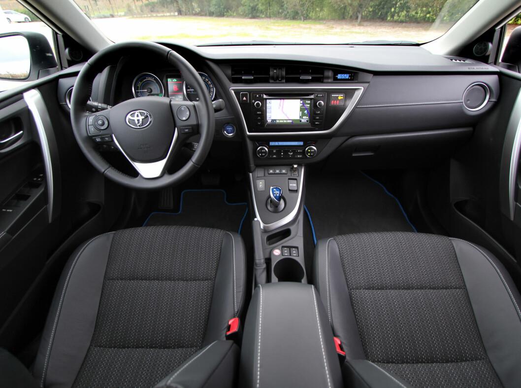 Allerede før bilen er lansert har Toyota fått erfare at interiøret er gjenstand for kritikk.  Foto: Fred Magne Skillebæk