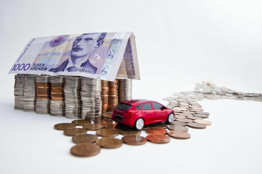 <strong><B>SPAR TITUSENER:</strong></B> Du behøver ikke ta opp separat lån hvis du skal kjøpe bil. Det kan du spare mye penger på.