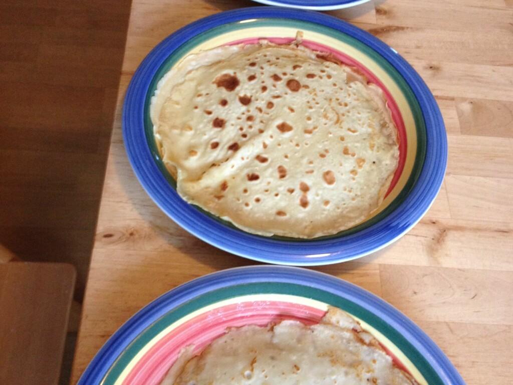 Same, but different. Alt ser ut som pannekaker, men smaken varierer. Og hjemmelagde smaker best. Foto: Berit B. Njarga