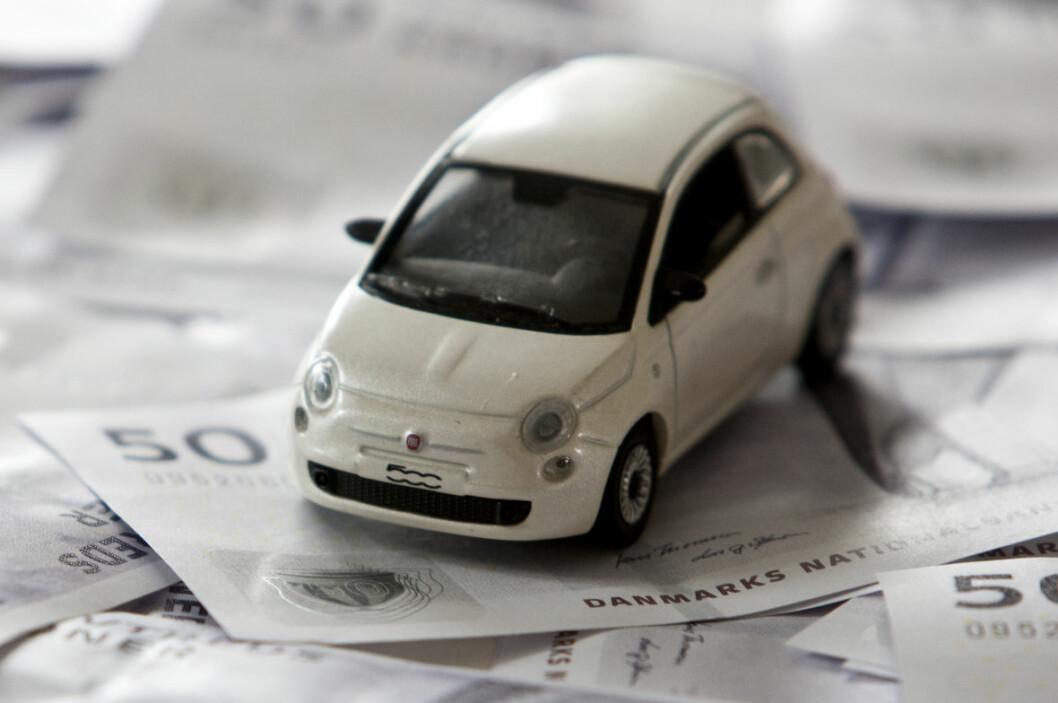Registrerer du firmabilen før nyttår, får du skatterabatten ett år tidligere enn om du venter med registrering til januar. Foto: COLOURBOX.COM