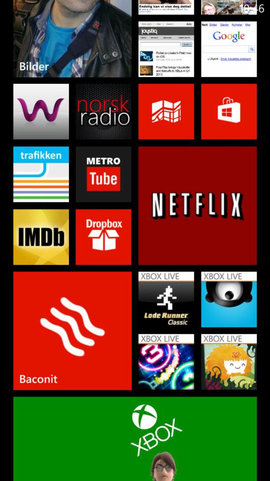 <strong>DEN STØRSTE FORSKJELLEN:</strong> For den vanlige bruker vil dette være den største forskjellen i Windows Phone 8. Man kan selv bestemme hvor store flisene skal være.  Foto: Ole Petter Baugerød Stokke