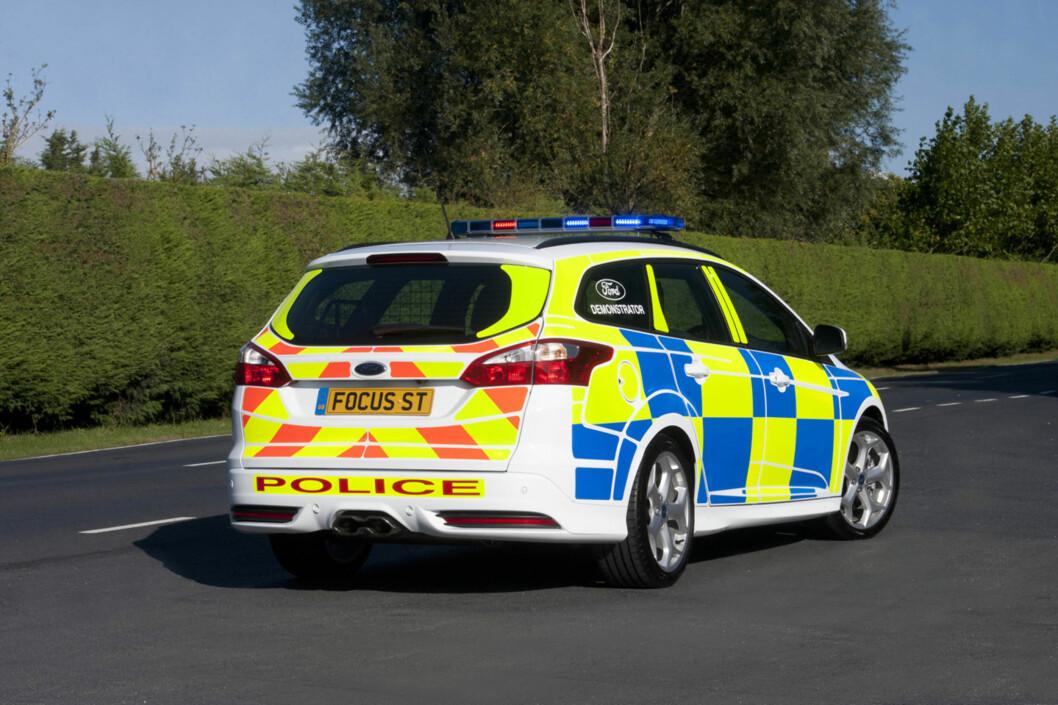 Politibilen demonstreres i disse dager for de britiske representantene for lovens håndhevere. Det er en Ford Focus ST med toliters turbomotor og 250 hestekrefter. 0-100: 6,5 sekunder. Foto: Ford