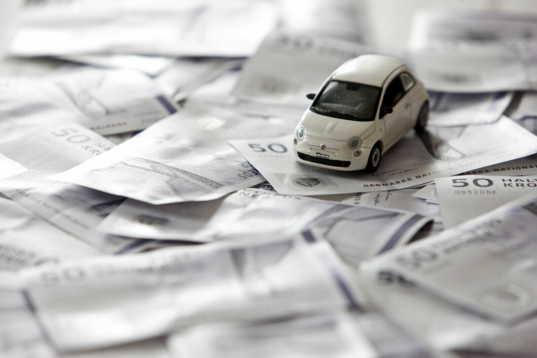 De som leaser en bil, må betale merverdiavgift, eller moms som det heter på folkemunne, av årsavgiften. Foto: COLOURBOX.COM