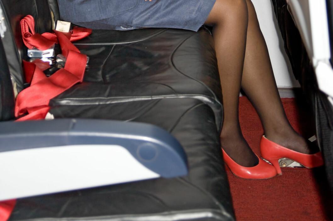 Høyhælte sko anbefales ikke på en lang flyreise.  Foto: Colourbox.com