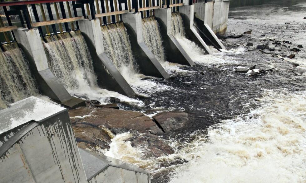 LANG LEVETID: Vannkraftverkene har meget lang levetid, flere hundre år, dersom de får normalt vedlikehold og rehabilitering, skriver artikkelforfatteren. Foto: NTB Scanpix