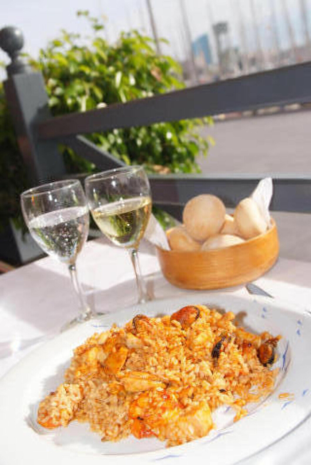 <strong>GOD LUNSJ:</strong> Unn deg lunsj på et fint sted, det er mye billigere enn å spise middag på samme restaurant. Foto: RONNY FRIMANN