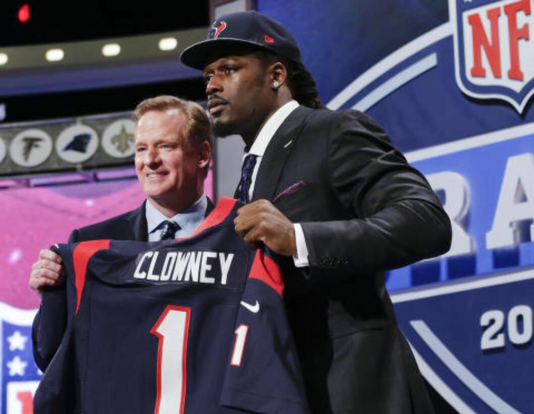 <strong>FØRSTEVALG:</strong> Jadeveon Clowney ble draftet til Houston Texans, som førstemann i draften. Foto: AP Photo/Craig Ruttle