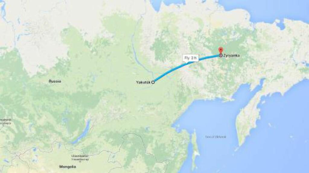 RUTA: Det tar, ifølge Google Maps, tre timer å fly fra Zaryanka (rødt) til Yakutsk. Skjermdump: Google Maps