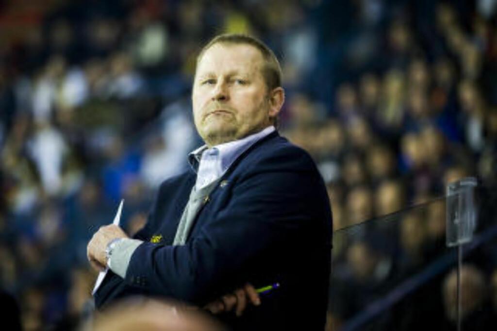 NEI TAKK: Oilers-trener Petter Thoresen har ikke den norske VM-kapteinen på lista over nye spillere. Foto: NTB Scanpix