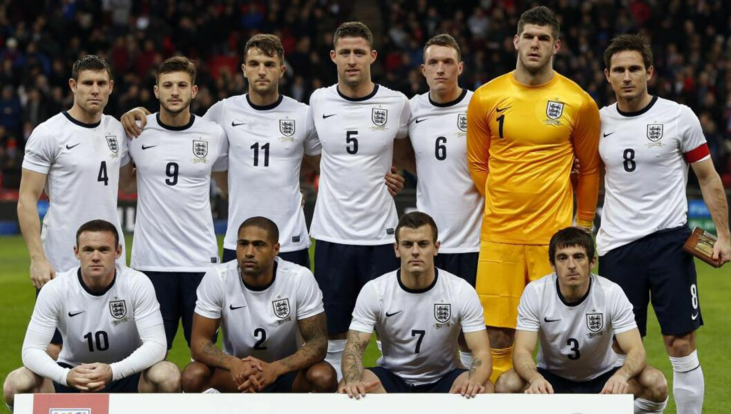 VERDENSMESTERE? Roy Hodgsons England startet med disse elleve mot Chile 15. november i fjor. Spørsmålet er om gutta fra balløya er gode nok til å vinne sommerens fotball-VM. Foto: AFP PHOTO / ADRIAN DENNIS / NTB Scanpix