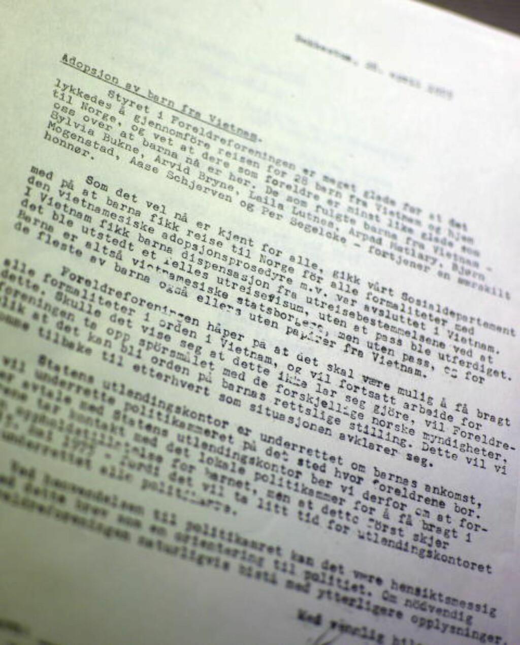 HEDER: I brevet ekteparet Jakhelln sendte til adoptivforeldrene etter at vi var kommet til Norge, roses de seks fra Foreldreforeningen, samt Arvid Bryne, for innsatsen. Foto: Ralf Lofstad