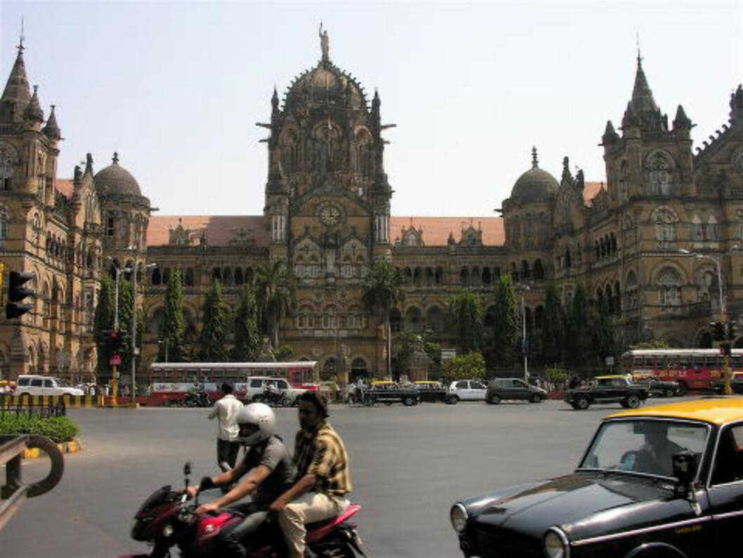 <strong>MUMBAI:</strong> Mumbai havner nederst på Tripadvisors kåring når det kommer til totalopplevelse, men Moskva kan skilte med flere bunnoteringer i de ulike kategoriene. Her jernbanestasjonen i Mumbai, kjent som Victoria-stasjonen. Foto: JON HURD/CREATIVE COMMONS