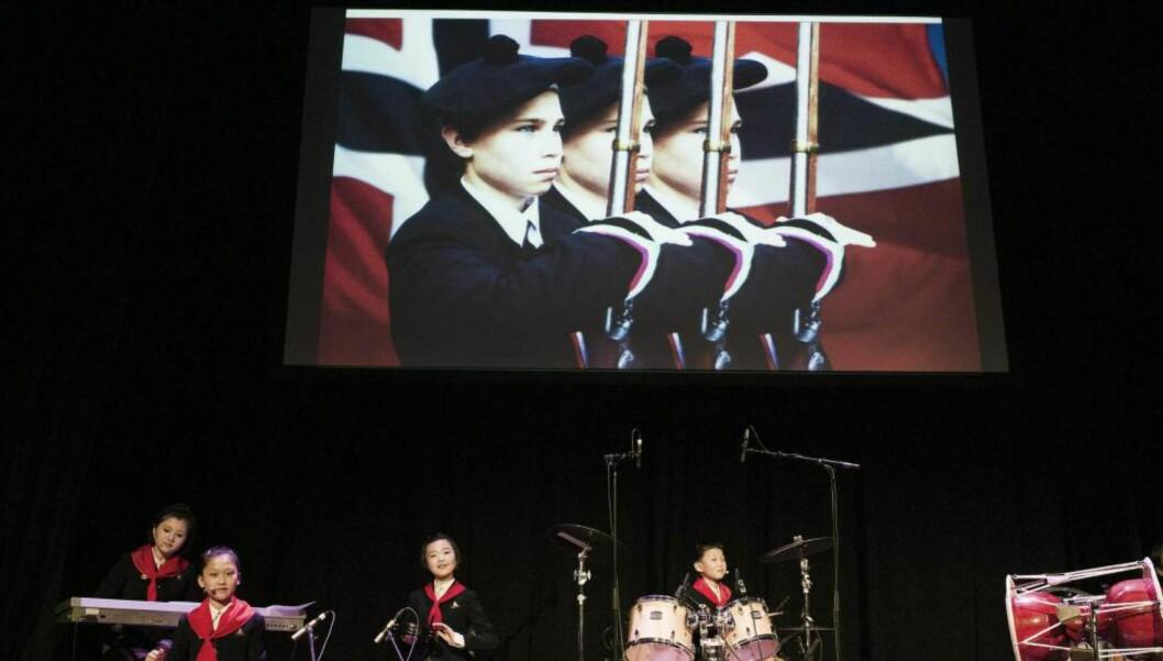 <strong>BLIR MISTRODD:</strong>  Morten Traavik har laget flere kunstprosjekter knyttet opp mot Nord-Korea, sist «Kardemomyang» under Festspillene i Bergen, som pågår til 4. juni. Foto: Thor Broderskift / Festspillene i Bergen