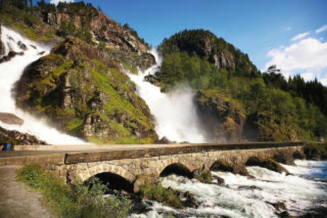 5. LÅTEFOSS: Foto: FJORD NORWAY