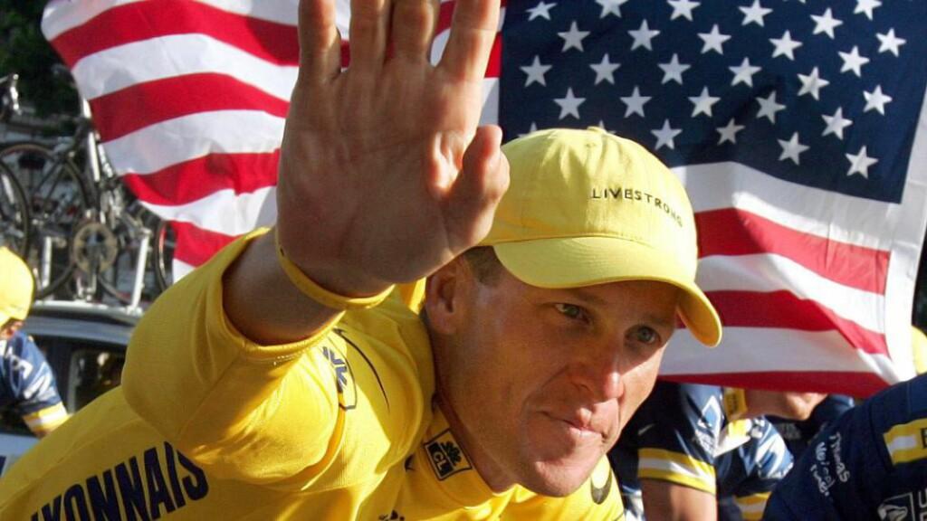 BLE GRILLET: Torsdag vitnet Lance Armstrong under ed om det omfattende dopingprogrammet som hjalp han vinne Tour de France hele sju ganger. Det kan koste den vanærede syklisten dyrt idet flere søksmål venter. Foto: AFP