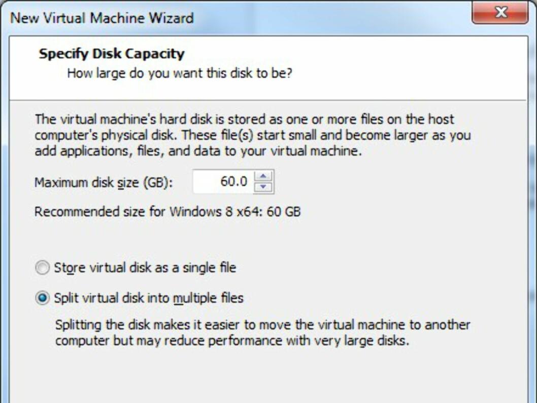 Sett av maks-størrelsen på den virtuelle harddisken. 60 GB er standard. Ikke velg noe mindre enn 30.
