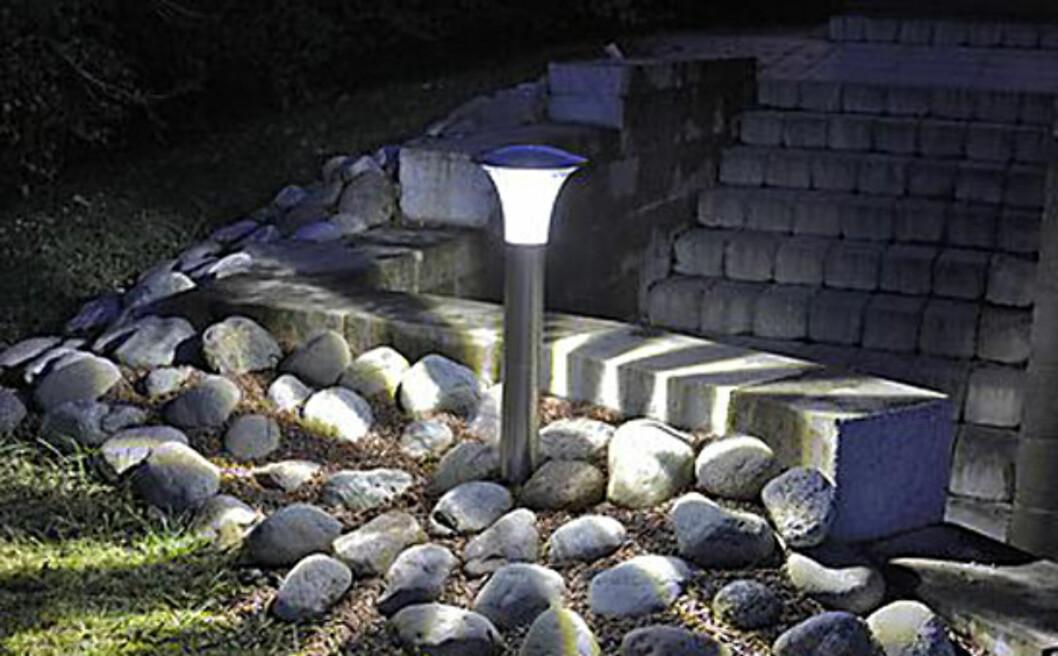 Kraftig LED-utelys, drives av solceller. Foto: Clas Ohlson