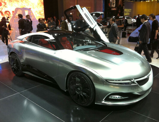 Saab-konseptet PhoeniX, her vist i Genève i 2011, er designet av Jason Castriota og bidro til en ny, men dessverre fåfeng, optimisme. Foto: Knut Moberg